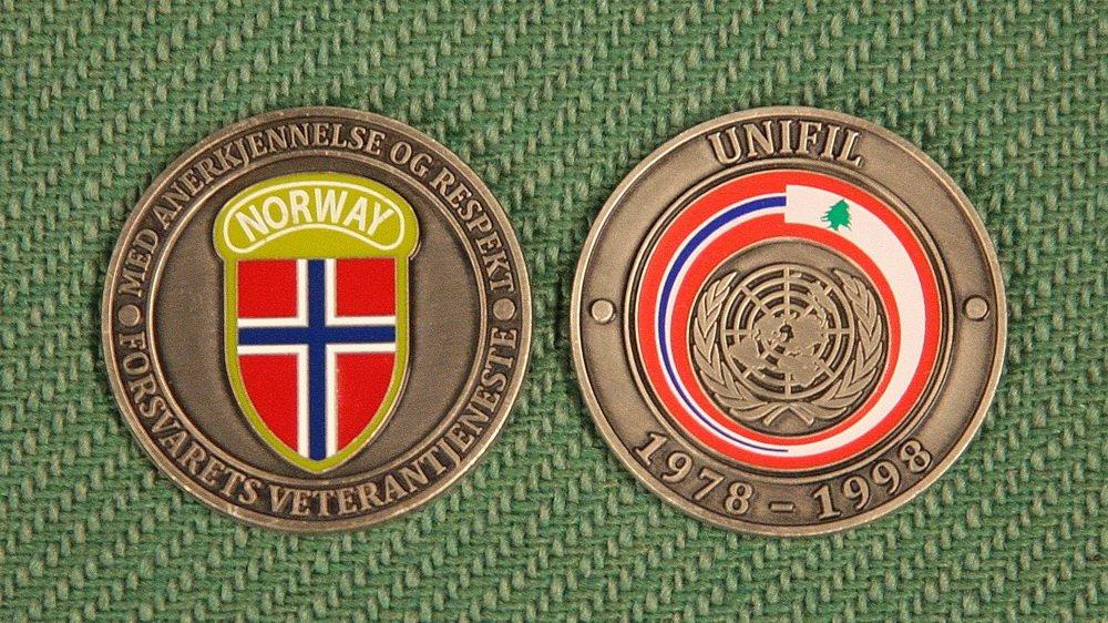 Hokksund: Forsvarets minnemynt til fem UNIFIL-veteraner 1