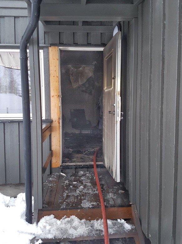Mjøndalen: Kvinne reddet ut av brennende leilighet i Strandveien 1