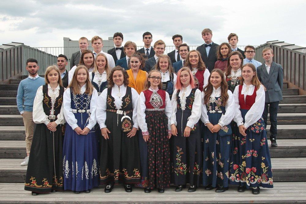 103 elever ved Hokksund ungdomsskole fikk sine avgangsvitnemål - Se klassebildene 3