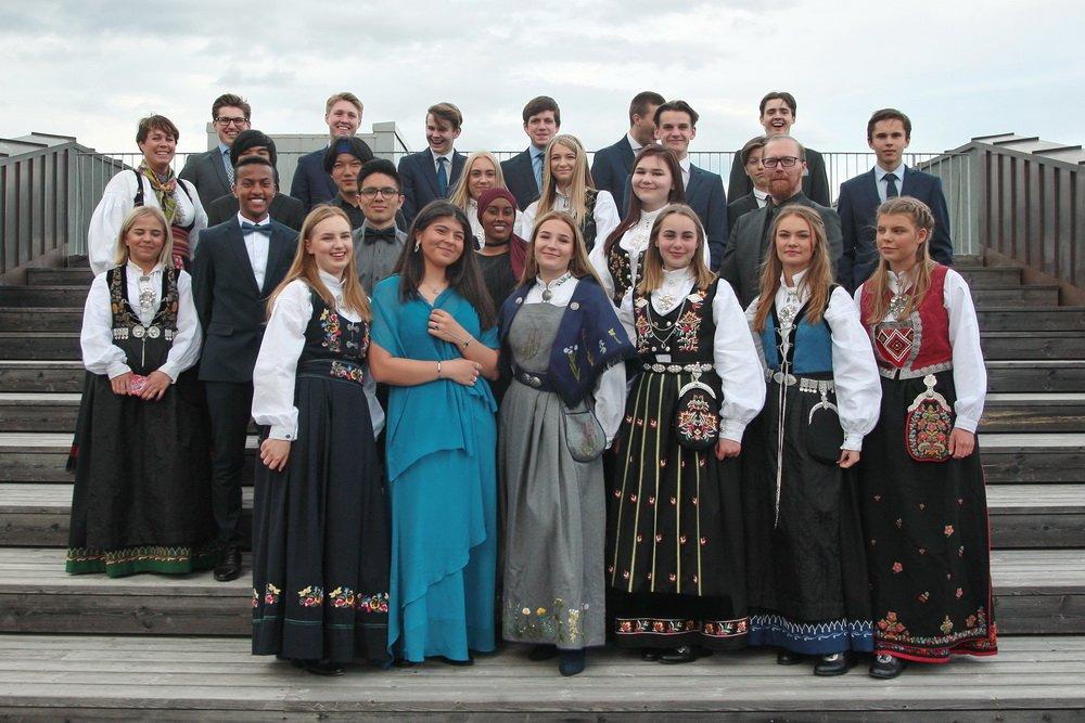 103 elever ved Hokksund ungdomsskole fikk sine avgangsvitnemål - Se klassebildene 4