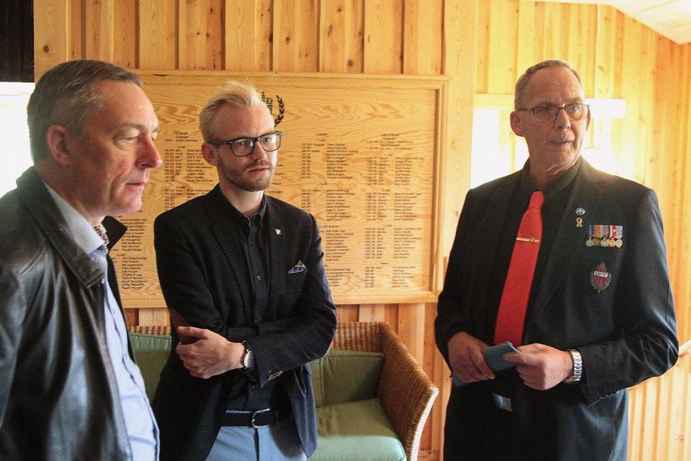 Forsvarsministeren på Fossesholm: Veteran møtte veteraner 3