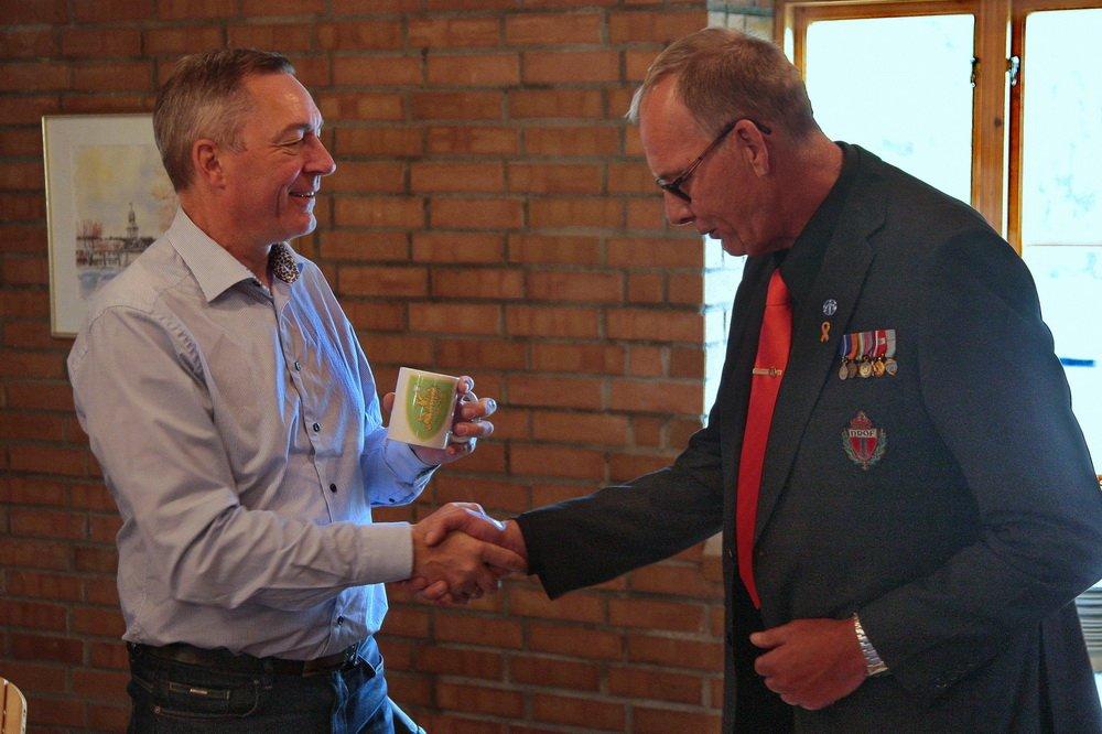 Forsvarsministeren på Fossesholm: Veteran møtte veteraner 5