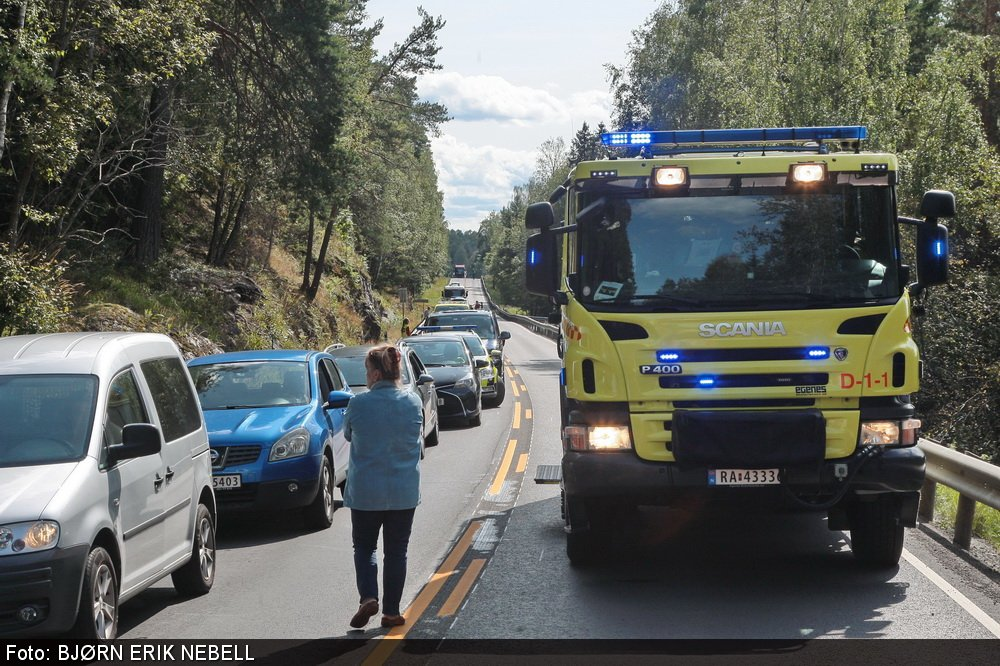 Personbil frontkolliderte mot lastebil: En mann bekreftet omkommet ved Kverk 3