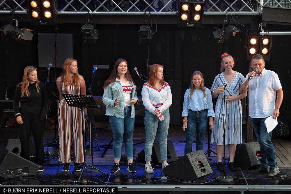 Hokksund: Seks unge sangtalenter fant tonen på Sanden 2